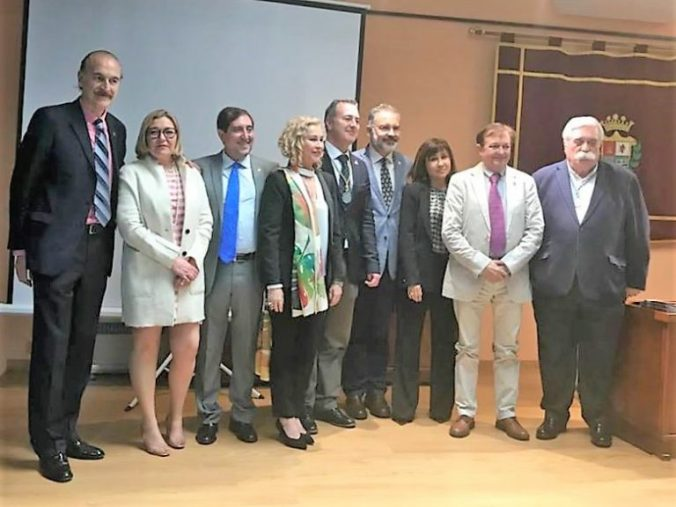 HOMENAJE AL DOCTOR JARAMILLO GUILLEN EN GUARROMAN